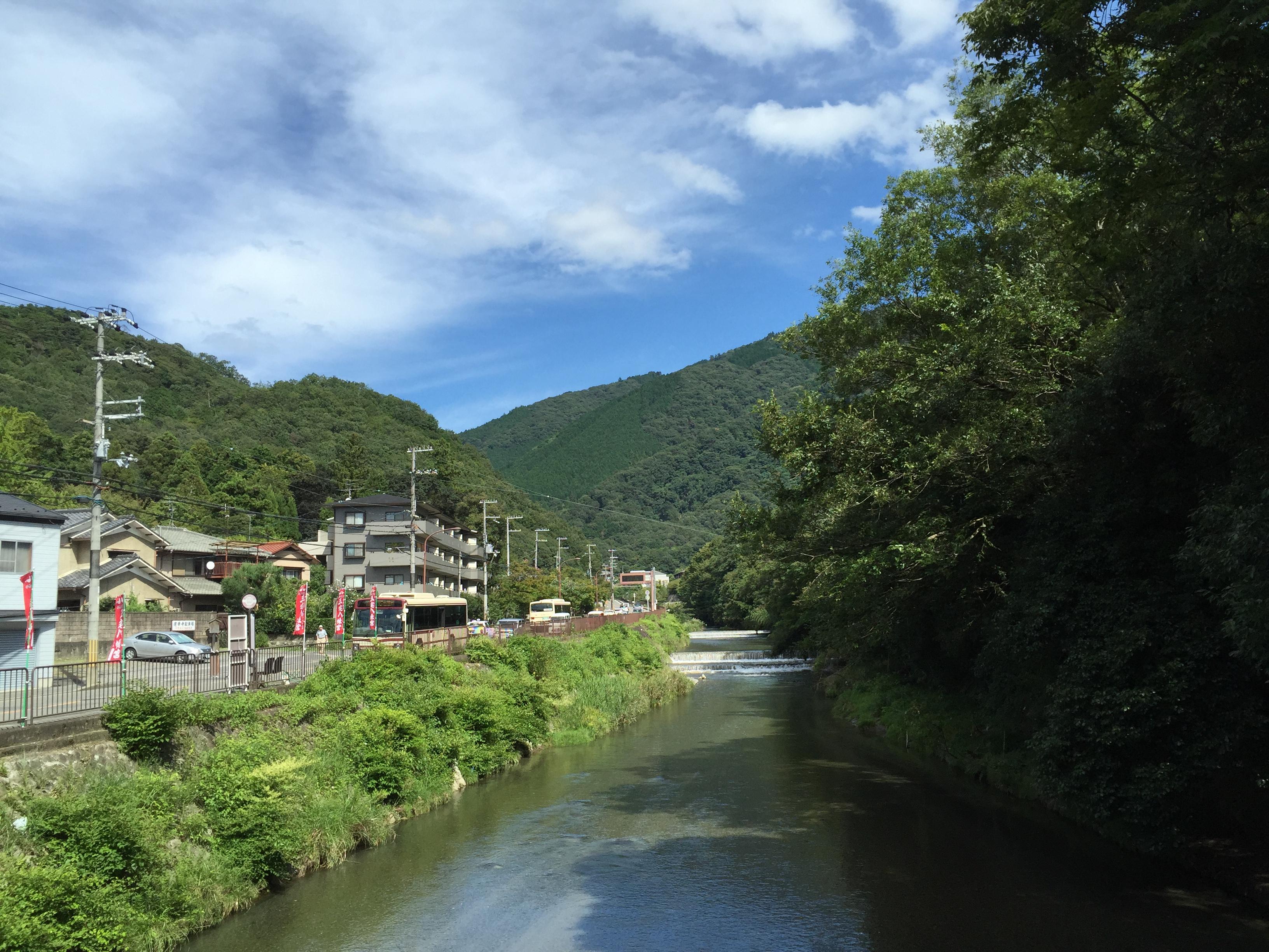 近くに川が流れていてとっても涼しいIMG_0243