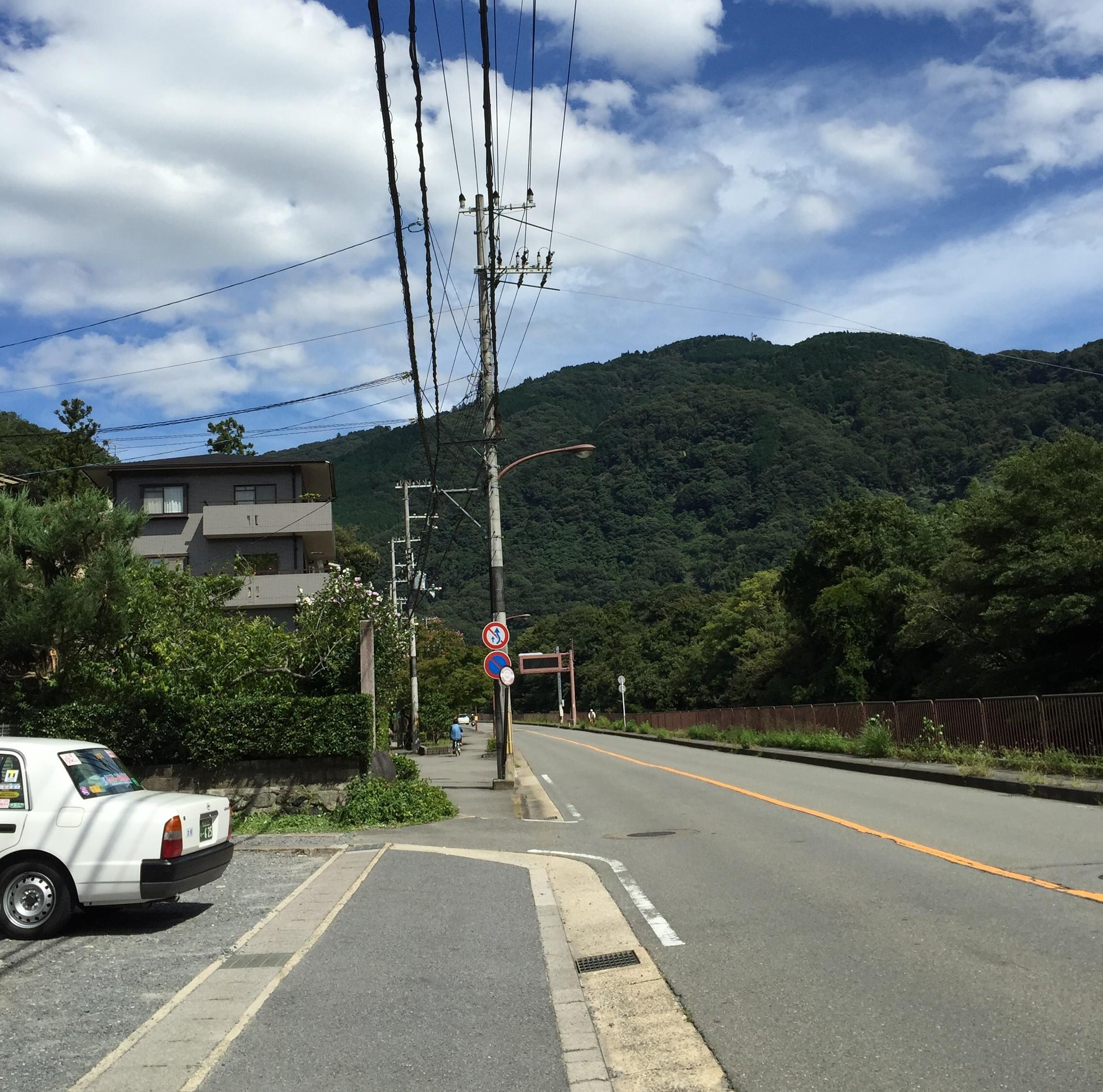 左に駐車場が見えたら左に曲がるIMG_0227